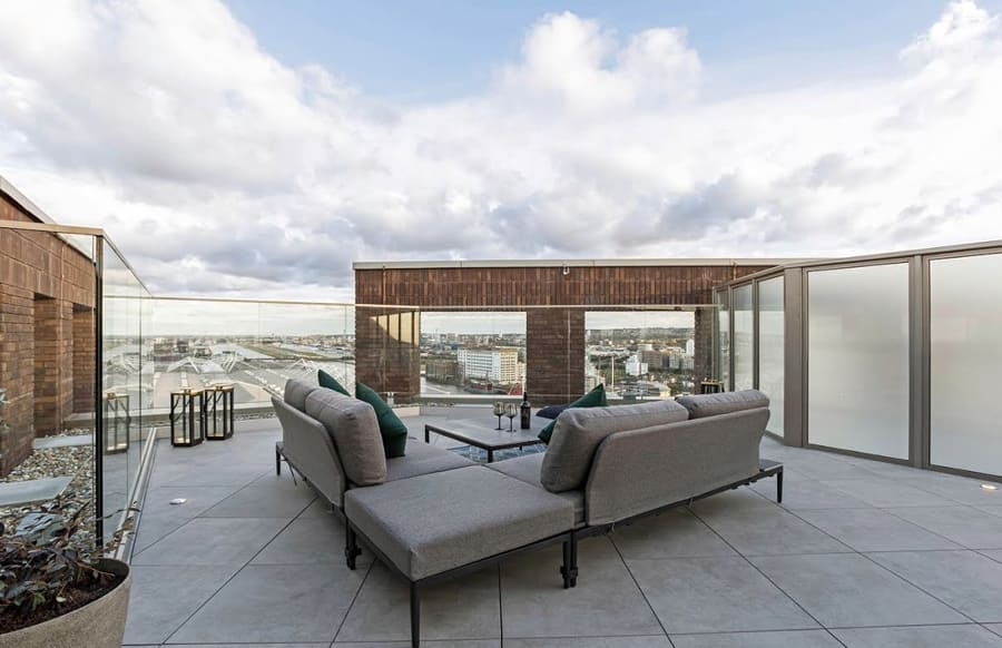 Royal Docks West Luxury Dockside Apartments In London